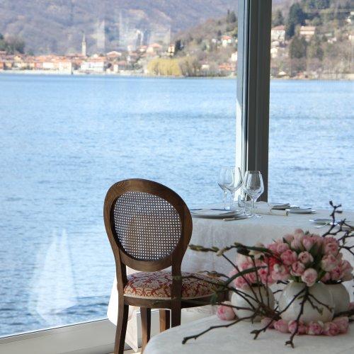 A picco sul lago