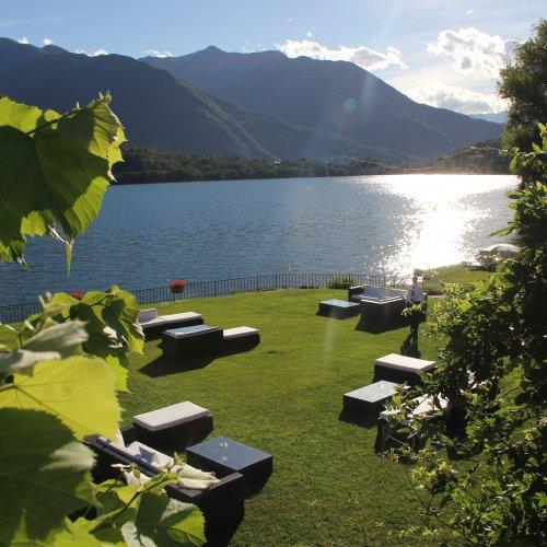 Il bel giardino del ristorante bistellato Piccolo Lago