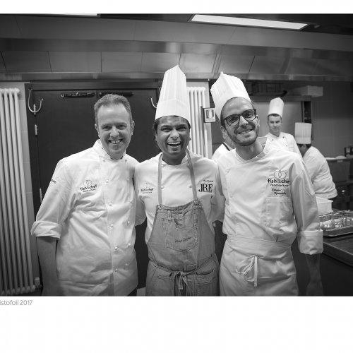 Vinod Sookar con Simone Gottardello dell'Aqualux e Andrea Costantini del Regina Adelaide di Garda