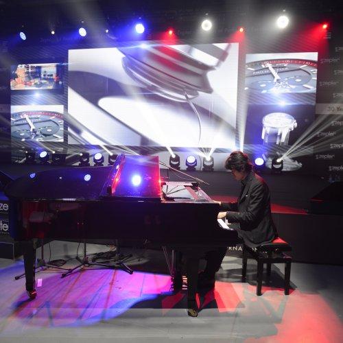 Il pianista Takahiro Yoshikawa