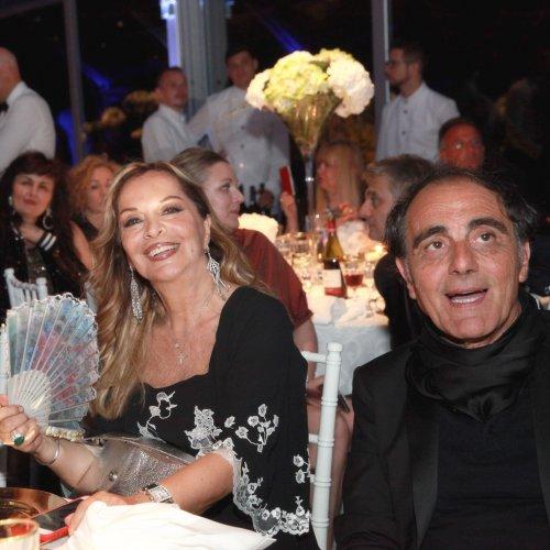 Silvana Giacobini con lo stilista Cesare Guidetti