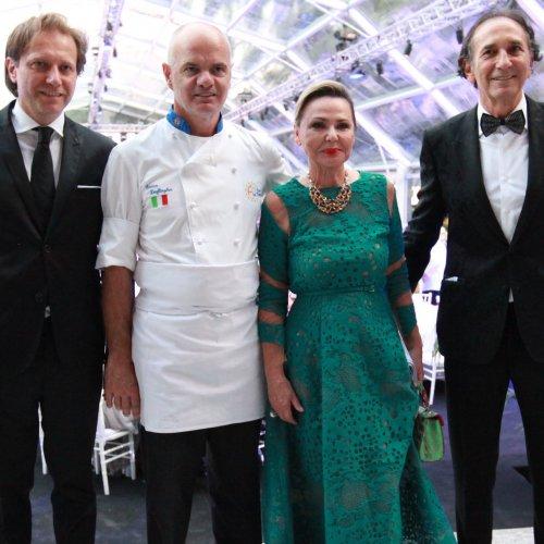 I coniugi Zepter con lo chef Enrico Derflingher e il vicepresidente sales & marketing Zdravko Reljan